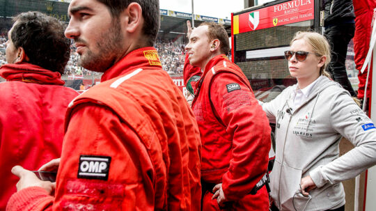 Le Mans 2016. Det var en lidt skuffet Christina Nielsen der modtog den danske Ferrari, efter hun havde gennemført løbet som første danske kvinde.