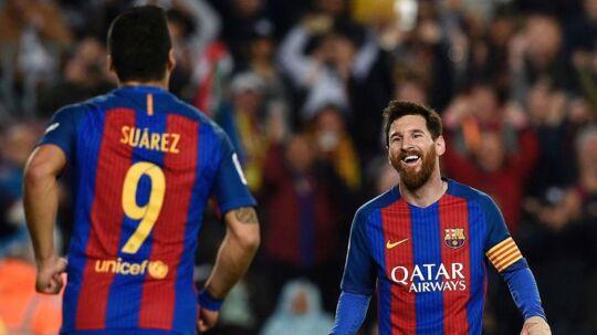 Lionel Messi var sidste sommer tæt på at forlade FC Barcelona. Men lange samtaler med hans ven, Luis Suárez, gjorde, at han valgte at blive.
