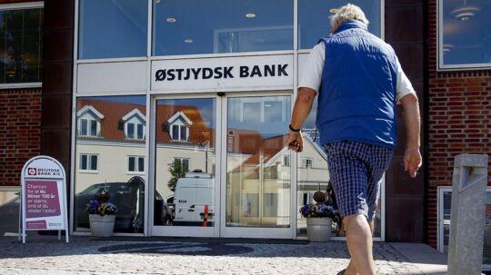 En stribe danske banker skiller sig ud med en høj risiko i en ny rangliste fra lektor i økonomi Johannes Raaballe.