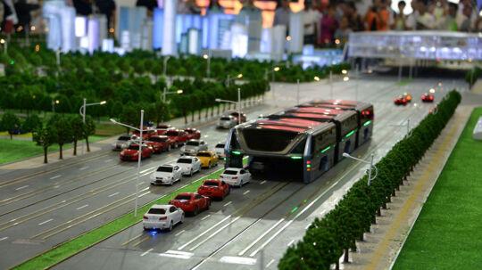 Her ses en model af den - nu opgivne - bus, da den i maj måned 2016 blev præsenteret ved en udstilling i Beijing.