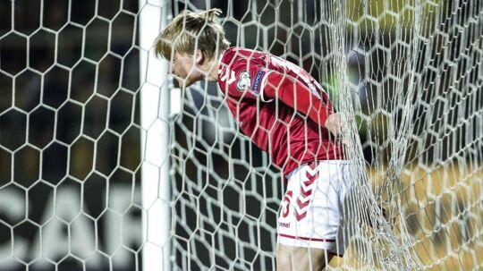 Ajax-spilleren Vaclav Cerny har fået gode råd om de danske spillere af klubkammeraten Kasper Dolberg.
