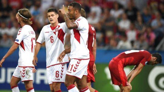 Kenneth Zohore (forr.) lavede to mål, da Danmark slog Tjekkiet i den sidste kamp ved ÉM for U21-landshold.