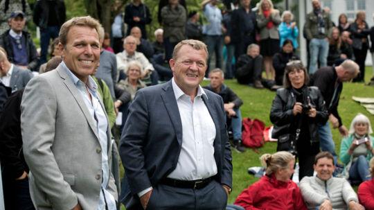 Statsminister Lars Løkke Rasmussen inviterede til Sankt Hans Aften i Marienborg Have fredag den 23. juni 2017 i Lyngby, Danmark. Mikkel Beha og Lars Løkke griner