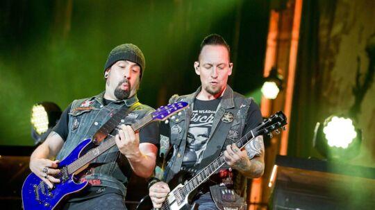 Til højre ses Volbeats forsanger Michael Poulsen.