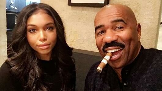 Lori Harvey med sin far, Steve Harvey.