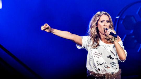 Den canadiske sangerinde Celine Dion på scenen i Royal Arena i København 15. juni 2017. I 2004 modtog Céline Chopard Diamond-prisen ved World Music Awards for at være den bedst sælgende sangerinde nogensinde, samt for hendes betydning for popmusikken]. På daværende tidspunkt havde hun solgt 175 millioner albums, i dag anslås det at salget af hendes plader har passeret 240 millioner eksemplarer. (Foto: Torben Christensen/Scanpix 2017)