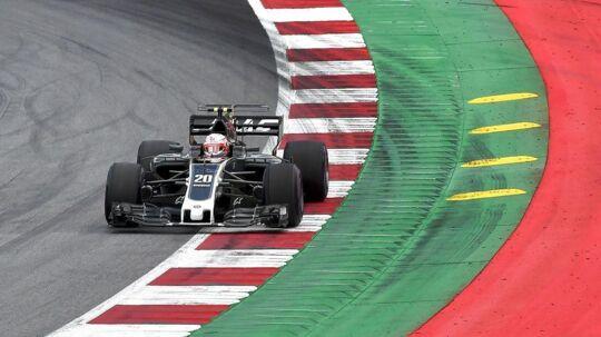 Kevin Magnussen ses her under kvalifikationen til det østrigske grand prix.
