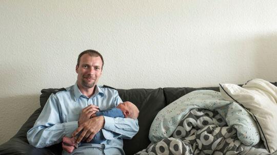 Henrik Ottesen fra Holstebro har haft problemer med at sove. Men via sit arbejde har han fået hjælp til at sove. I dag sover Henrik Ottesen bedre, selvom Henriks nyfødte søn Tristan er en udfordring for nattesøvnen.