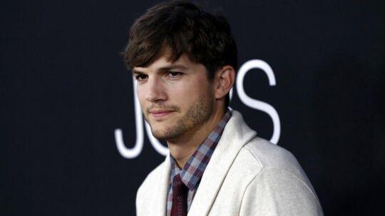 Ashton Kutcher bliver beskyldt for at være sin hustru, Mila Kunis, utro.
