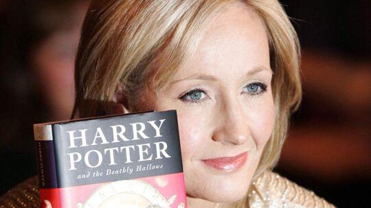 J.K. Rowling afslører, at hun har et hemmeligt manuskript hængende i klædeskabet. Arkivfoto.