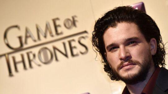 Skuespilleren Kit Harrington, som ellers er indehaver af rollen som Jon Snow i successerien Game of Thrones, viste søndag aften, at han også har flair for at leve sig ind i de andre roller fra serien.