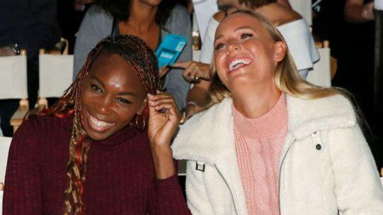 Serena Williams og Caroline Wozniacki er rivalinder på tennisbanen, men nære veninder uden for banen. Reuters/Brendan Mcdermid