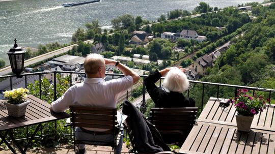 Hører du til de mange, der spejder mod en tidlig pensionering? Så skal du lægge mange penge til side, mens du er i job.