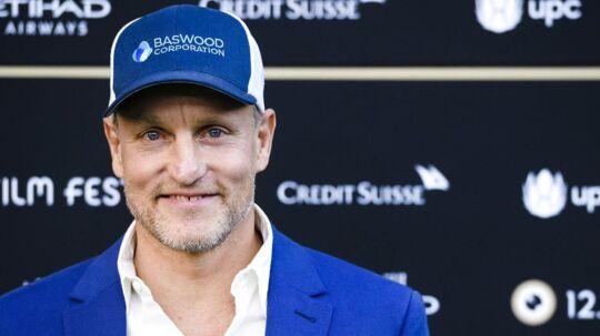 Skuespilleren Woody Harrelson fortæller i et stort interview åbent om, hvordan han tilbage i 2002 var sin kæreste utro.