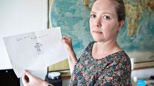 Henriette Hesselmann har gemt en af de muslimske børns tegninger, hvor barnet undrer sig over hvordan, man kan være kristen.