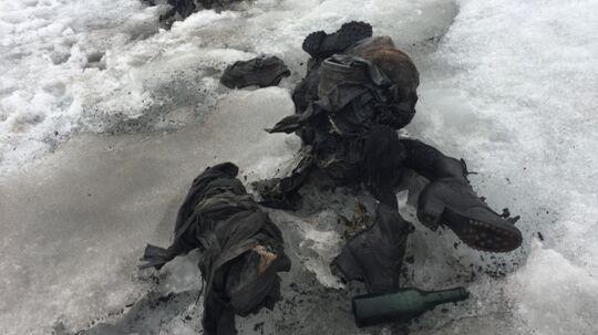 Ægteparret blev fundet døde efter at have ligget gemt under isen i 75 år.
