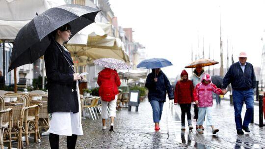Det er juli og sommer i Danmark, men de varme temperaturer må vi se langt efter.