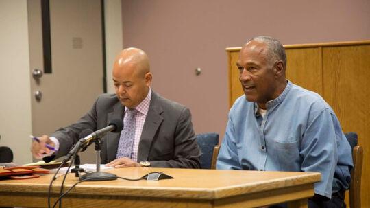 Torsdagens høring om prøveløsladelse foregik via videolink. O.J. Simpson sad med sin advokat i fængslet Lovelock Correctional Center, hvor han har siddet siden 2008, mens panelet sad 161 kilometer væk i Carson City. Scanpix/Sholeh L Moll-masumi