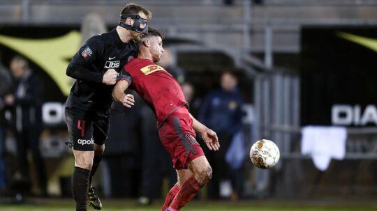 FCN ville gerne have forlænget med Emiliano Marcondes (th), men sportschef Carsten V. Jensen kalder salget til Brerntford for den bedst mulige løsning.