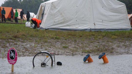 Bare rolig. Der er altså ikke en spejder, der har taget den på hovedet i en vandpyt. Foto: Lars Blomgren Andersen