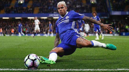 Chelseas brasilianske spiller, Kenedy, var grov mod Kina, men det har de engelske mestre nu undskyldt.