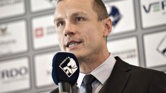 Administrerende direktør i Randers FC, Michael Gravgaard, mener, at der er alt for mange lukkede døre i Superligaen, når det kommer til klubbernes forhold til åbenhed i pressen