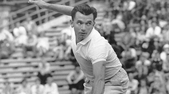 Mervyn Rose blev optaget i tennissportens Hall of Fame i 2001.