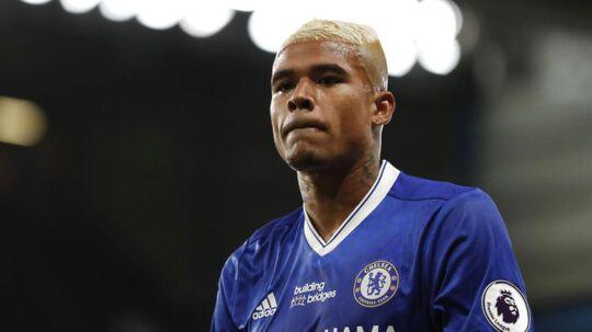 Som følge af sin stødende ytringer på Instagram er Chelseas brasilianske angriber Kenedy blevet sendt hjem fra holdets træningslejr i Asien.