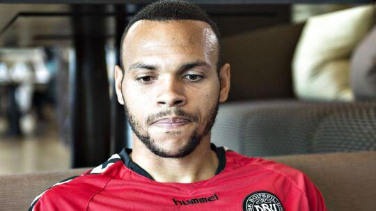 Anthony Renton fra Martin Braithwaites klub, Middlesbrough, er blevet diagnosticeret med leukæmi.