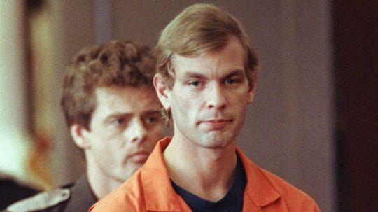 En ny film fortæller historien om seriemorderen Jeffrey L. Dahmer, der blev kendt skyldig i at have dræbt 15 personer. Flere af dem forsøgte at at spise og voldtage, efter de var døde.