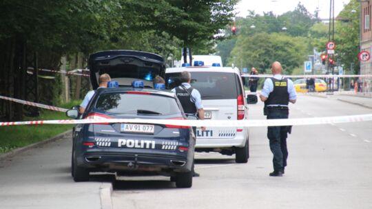 Politiet er talstærkt til stede ved Rovsingsgade på Østerbro efter der er affyret flere skud.