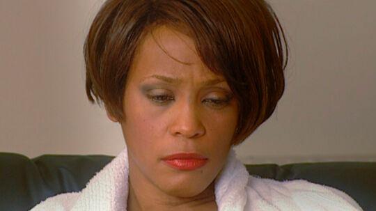 Der blev advaret og ytret bekymring om Whitneys misbrug og helbred, men intet skete før det gik galt i 2012 og stjernen blev fundet druknet i et badekar.