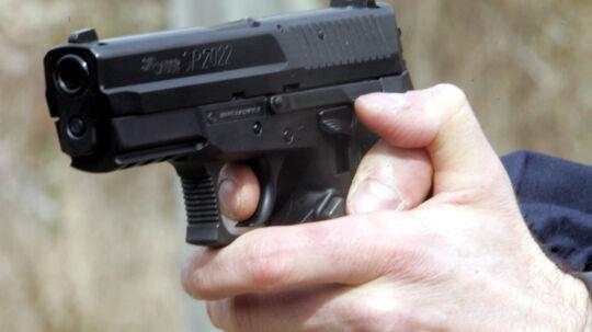 To mænd er blevet varetægtsfængslet sigtet for drabsforsøg, efter at der tirsdag aften blev affyret otte-ti skud fra en bil på Østerbro i København. To af skuddene ramte en 26-årig mand. Free/Colourbox/arkiv