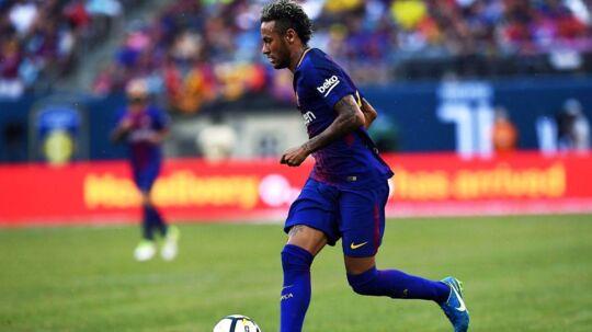 Neymar har ifølge Le Parisien under kontraktforhandlingerne med Paris Saint-Germain forlangt, at klubben foruden ham selv også skal købe hans gode ven, Philippe Coutinho, fra Liverpool.