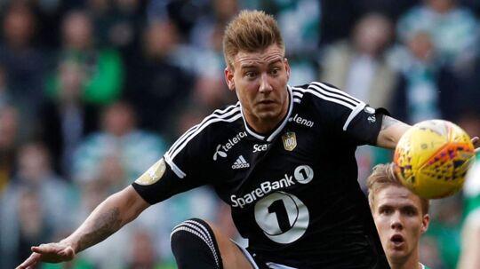 Rosenborg spillede klart bedst, da de norske mestre var på besøg hos Celtic. Hverken Nicklas Bendtner (bill.), Mike Jensen eller andre kom dog på scoringslisten, så kampen sluttede 0-0. Ajax med Lasse Schöne og Kasper Dolberg spillede 1-1 ude mod Nice.