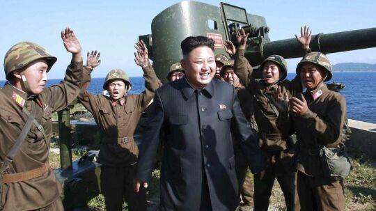 De internationale sanktioner mod Nordkorea og Kim Jong-Uns styre begynder tilsyneladende at gøre ondt. Derfor har de statsstøttede hackere ændret fokus og går nu efter finansielle institutioner for at skaffe penge. arkivfoto: EPA/KCNA/Scanpix