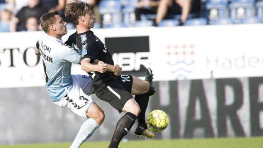 Sønderjyskes Marc Pedersen (tv) efter nederlaget til FC Helsingør: »Der er ingen tvivl om, at der er ikke nogen, der er tilfredse med det, vi leverede i dag.«