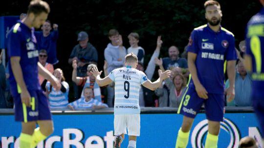 FC Midtjyllands defensiv var langt fra imponerende. Til gengæld var FC Helsingørs André Riel iskold foran mål.