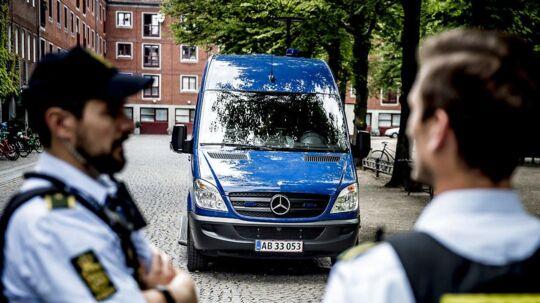 Politiet har efter de mange skyderier i den seneste tid sat en mobil politistation op på Nørrebro. Den mobile politistation skal være med til at skabe tryghed og det betyder, at borgere er velkommen til at komme forbi til en snak. Udover at der er indsat en mobil politistation, hvor betjente vil være tilstede, så vil der også gå betjente rundt i det område, hvor den mobile politistation holder parkeret.