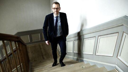 Chefjurist i Danske Bank, Flemming Pristed, fortæller, at banken »samarbejder fuldt ud« med myndighederne om Bagmandspolitiets igangværende efterforskning af bankens rolle i hvidvask.