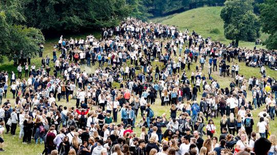 Ulvedalene i Dyrehaven nord for København fredag aften d. 18 august 2017, hvor den såkaldte Puttefest bliver afholdt. Ifølge Københavns Politi deltager op mod 8000 nye gymnasieelever i årets fest for de de nye 1.g'ere fra københavnsområdet. (Foto: Bax Lindhardt/Scanpix 2017)