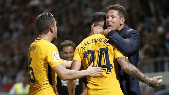 Atlético Madrid-træner Diego Simeone måtte nøjes med 2-2 ude mod oprykkeren Girona FC i den bedste spanske række.
