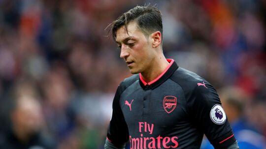 Mesut Özil havde ikke en af sine bedste dage i lørdagens Premier League kamp mod Stoke.