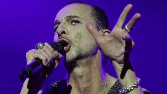 epa06102547 Dave Gahan, lead-singer of British band Depeche Mode, performs on stage during a concert in Warsaw, Poland, 21 July 2017. The concert is part of a tour promoting the album 'The Global Spirit Tour'. EPA/RADEK PIETRUSZKA POLAND OUT