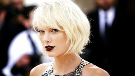 epa06145219 (FILE) - Singer Taylor Swift arrives on the red carpet for the 2016 Costume Institute Benefit at The Metropolitan Museum of Art in New York, New York, USA, 02 May 2016 (reissued 15 August 2017). Swift won a sexual assault case against former radio DJ David Mueller in Denver on 15 August. EPA/JUSTIN LANE