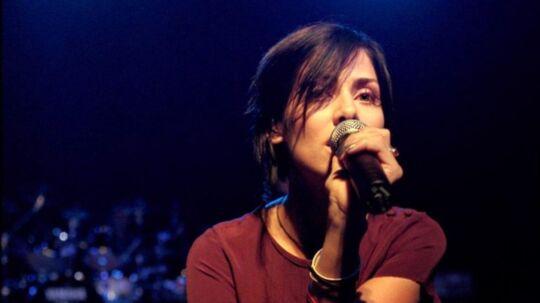 Natalie Imbruglia under en koncert i Vega i København i 1998.