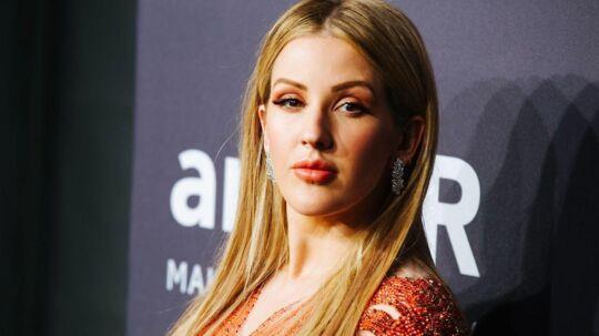 Britiske Ellie Gouldings stemme forsvandt halvvejs gennem en koncert i Zurich lørdag.