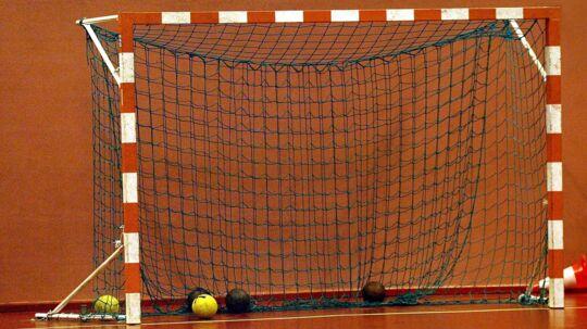 Flere russiske håndboldspillere brød angiveligt dopingreglerne under U19-EM, da de slog Danmark ud i semifinalen.