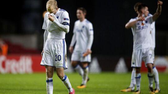 Nicolai Boilesen (tv.) og resten af FCK-forsvaret formåede at holde buret rent torsdag aften mod Lokomotiv Moskva. Desværre blev det ikke til mål i den modsatte ende, og det ærgrer løverne.