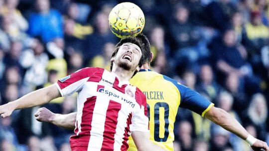 Filip Lesniak og Kamil Wilczek under Superligakampen mellem Brøndby IF og Aab, søndag den 17. september 2017.